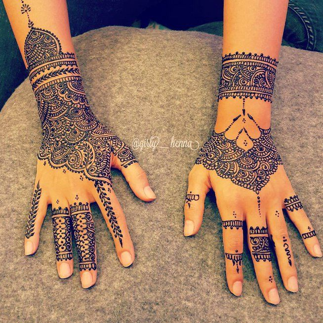 Pin for Later: 26 Dessins au Henné Qui Vont Vous Subjuguer       Bridal Henna time ماشاءلله  A video posted by ※The Queen's Henna (@girly__henna) on Sep 29, 2015 at 11:45pm PDT