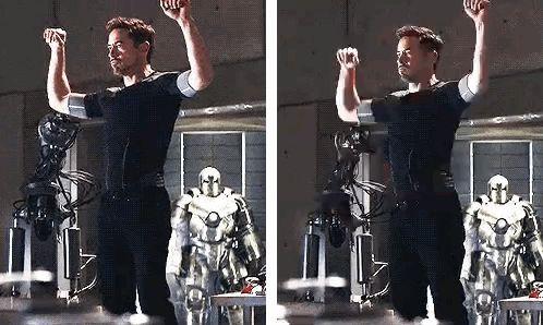 Tony Stark (bailando la edición de villancico navideño)   31 personas perfectas con las que quisiste tener una cita en 2013