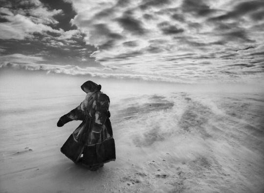 "By Sebastião Salgado Escena de ""La sal de la Tierra"". (Sebastião Salgado/ Amazonas Images/ NFP) http://lens.blogs.nytimes.com/"