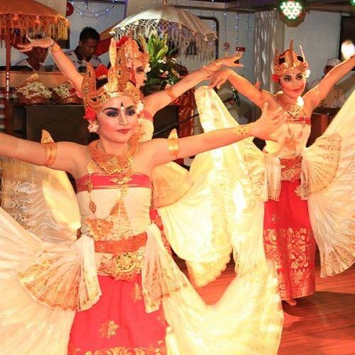 Bounty Sunset Dinner Cruise Bali