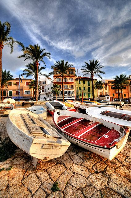 Mallorca, Spain (photography, photo, picture, image, beautiful, amazing, travel, world, places, nature, landscape, boats, palm trees)
