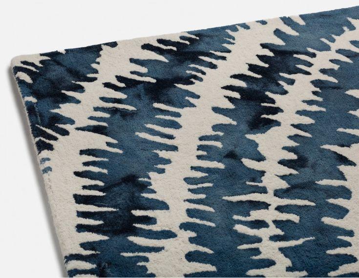 SKY - Hand made wool rug 6' x 9' - White and Purple