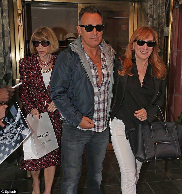 Photobombed By Anna Wintour Clean Cut Bruce Springsteen