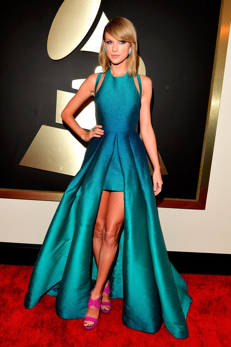 Grammy 2015 Taylor Swift, looking absolutely STUNNING in this turquoise Elie Saab dress, matching blue-hued Lorraine Schwartz earrings, and purple Giuseppe Zanotti pump