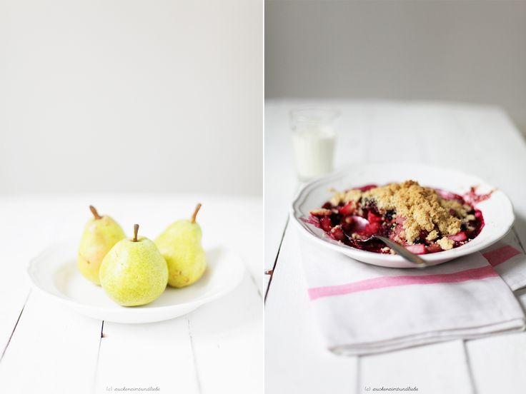 Berry Pear Crumble - Brombeer Birnen Crumble