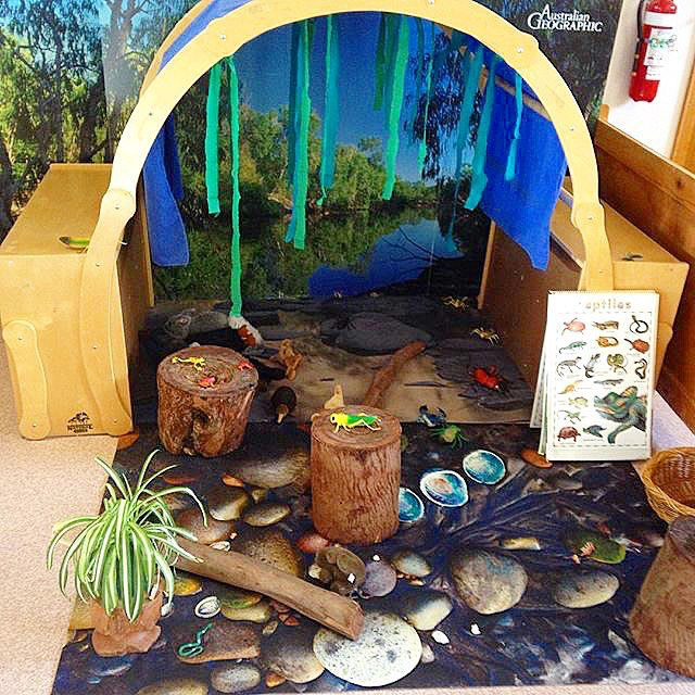 At @sea_lake_early_years in Australia, a play-based learning program, students spend a great deal of time outside exploring nature. The theme of exploring is continued inside as well. Check out this indoor nature scene in the classroom. Kind of like a life size #smallworldplay setup. Thank you for allowing us to visit your classroom @sea_lake_early_years ! It's fantastic! If you want to join our tour of Preschools Around the World, don't forget to tag your classroom pics @preschoology…