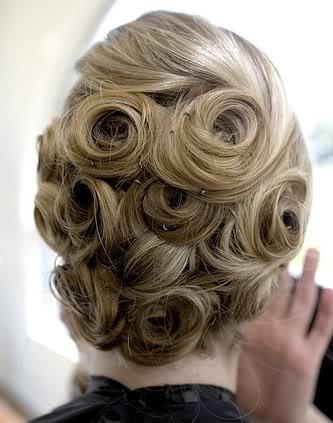 vintage hairdo
