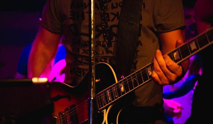Rockin with Christos Dantis - #πλAy #play_shirts #playshirts #tshirts #printed_tee #rock_n_roll #live #stage #solo