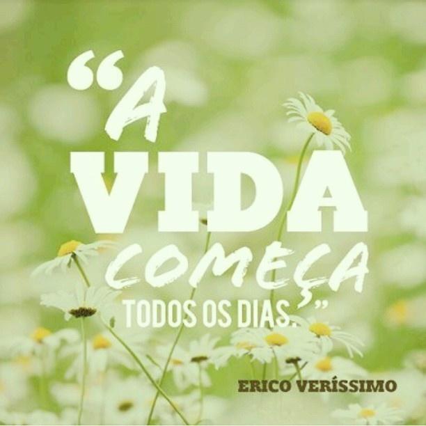 #autoajudadodia por @Gleide Pereira Pereira Pereira Pereira Pereira Morais! E se a gente conseguir ter aquela energia e aquela sensação de renovação que sentimos no início do ano, por exemplo, todos os dias? Já pensou que incrível? Porque na verdade, como a autoajuda diz, a vida começa todos os dias e cada novo dia é uma nova oportunidade de tentar ser mais pleno e feliz. Adoramos!  http://instagram.com/glemorais