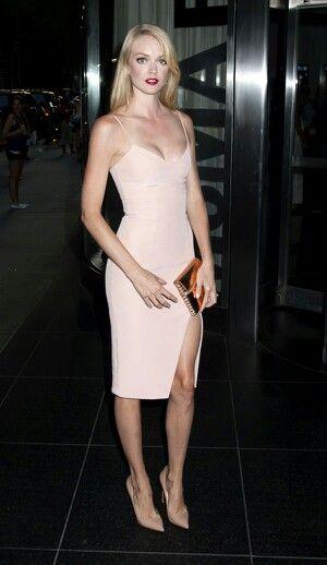 Lindsay marie legs open 9