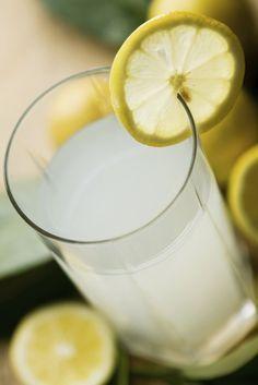 Un jus de citron chaque matin, c'est super bon pour la santé !