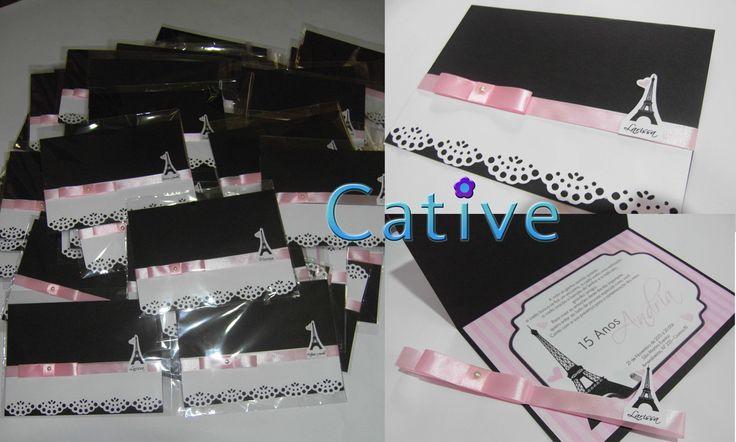 Convite modelo carta com acabamento rendado e fita de cetim, na cor preto e rosa claro, Embalado em saco de celofane.  * Tamanho:  Fechado: 21cm de Largura x 15 de altura  Aberto: 21 de Largura x 29 de altura