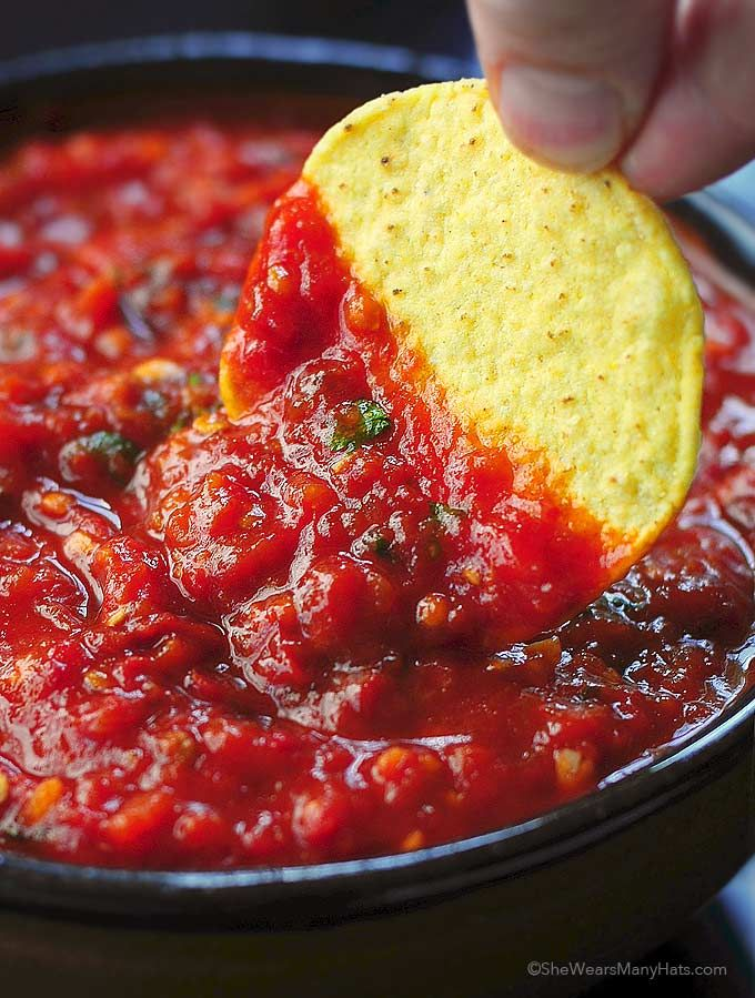 Spicy Roasted Tomato Chipotle Salsa from @wearsmanyhats