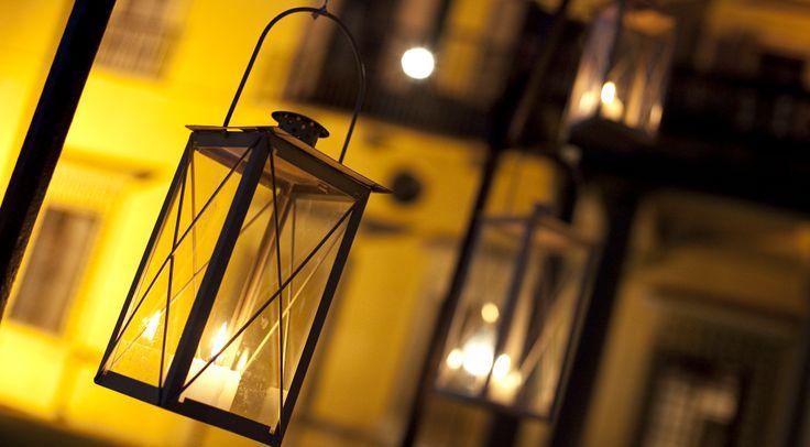 www.italianfelicity.com #weddingdetails #weddinglights #lanterns