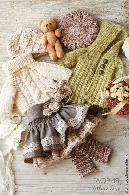 Doll Clothes / Knitting