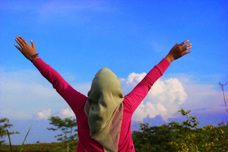 I do love the sky..love it love it :* (langit selopanggung kediri, saat 'take' drama)
