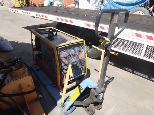 RED-D-ARC GX 271 CHOPPER PORTABLE WELDER/GENERATOR: Red-D-Arc GX 271 Chopper Portable Welder/Generator S/N: 10527 This site and all…