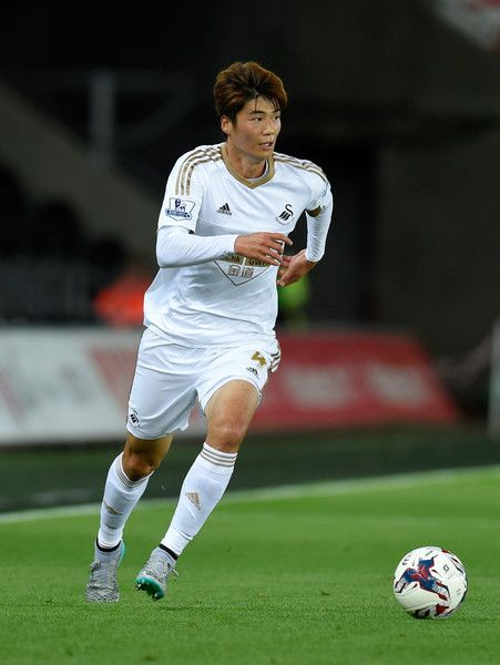 Nat'l team captain Ki Sung-yueng named top male footballer of 2016