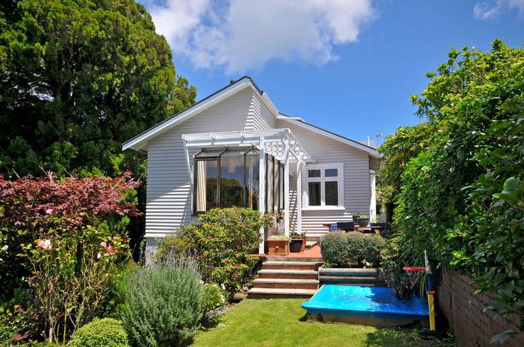 Just Paterson Real Estate Ltd specialises in real estate in New Zealand (NZ), Lower Hutt, Upper Hutt and Wellington | justpatterson.co.nz - Details
