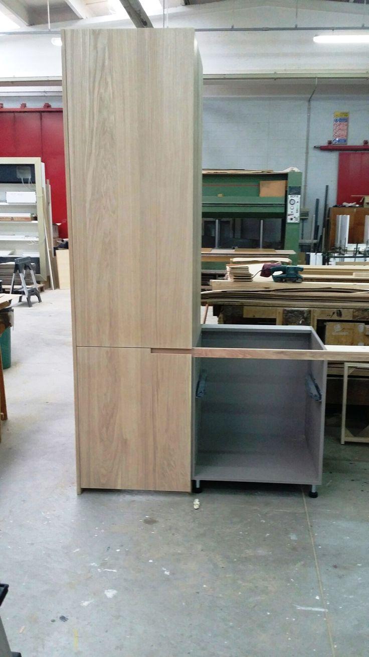 Dettaglio Maniglia per anta cucina. Handle detail for kitchen door