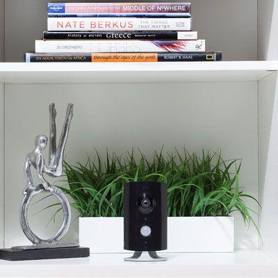 Cette nouvelle #caméra #Piper NV est idéale pour ceux qui cherchent à garder un œil sur leur maison. Elle est équipée d'un système autonome de #sécurité, #vidéosurveillance et domotique ! Existe en #blanc [199€ - www.getpiper.com]