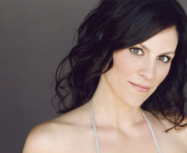 annabeth gish | Annabeth Gish cast as Anne Sull...