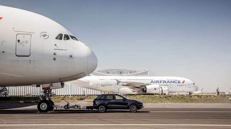 Guinness Book Record  Porsche Cayenne S and  Airbus A380