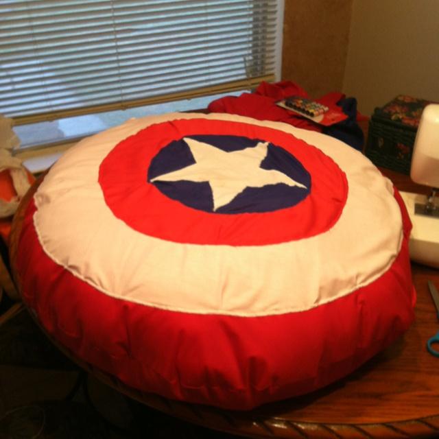 Captain america bean bag chair d things for nana 39 s for Captain america bedroom ideas