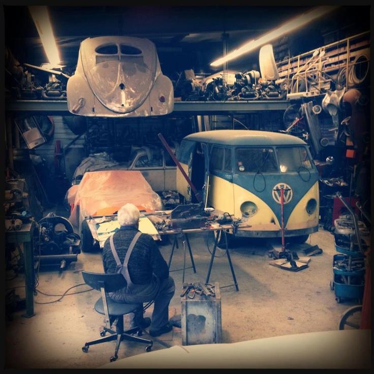 17 best images about dream garages on pinterest for Garage volkswagen les fins