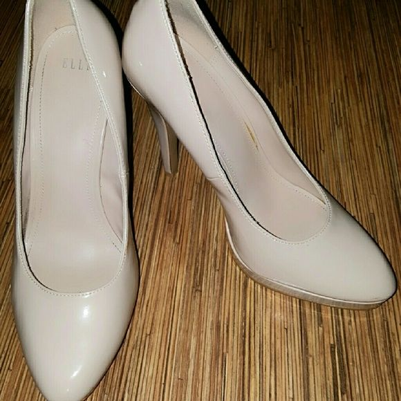 Elle Nude Patent Pumps 5' Heel  ⭕ Scuffed Mark's Could Probably  Be Buffed Out⭕  ⭕Mark On Heel ⭕ Elle Shoes Heels