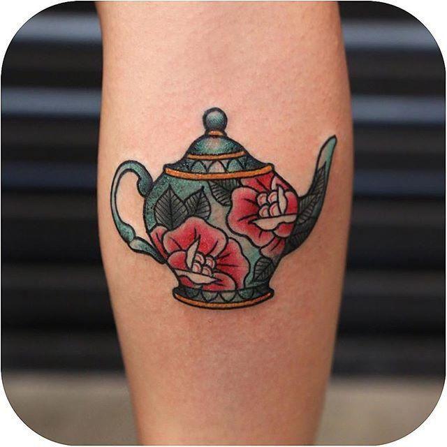 Lil' teapot made by @kristiwallsnyc http://ift.tt/1fOco1M