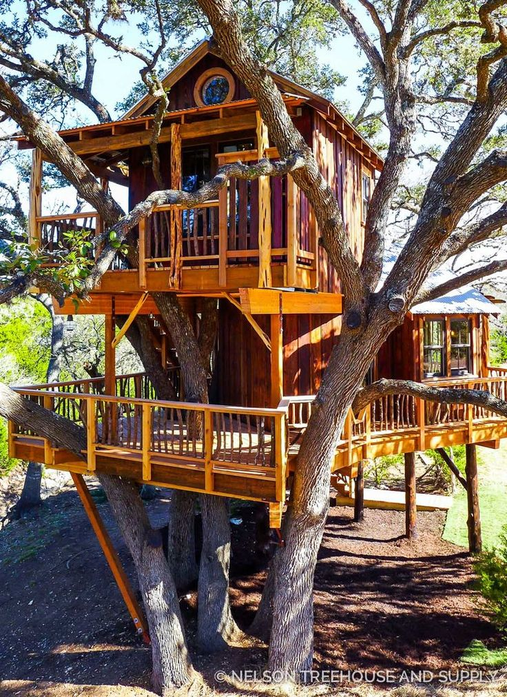 This Treehouse Stays Close To Its Hill Country Roots With Locally Sourced  Reclaimed Wood, Rough Sawn And Weathered Textures, And A Capacious Size.