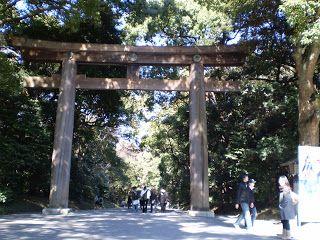 Das Eingangs-Toori am Meiji-Schrein ist schon verdammt groß.