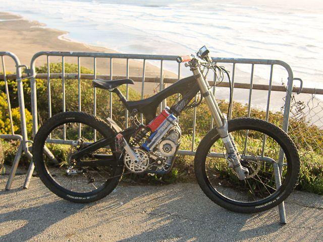 Motomoto's 65mph Astro Powered Santa Cruz