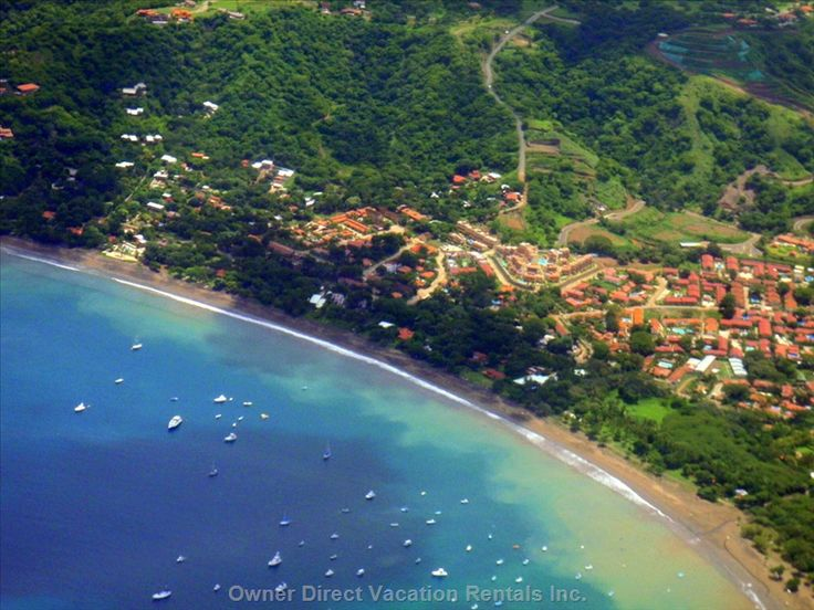 2-bedroom condo in Playa del Coco, Costa Rica only 2 blocks from the beach and with easy day trips to many sites such as Arenal Volcano, zip line tours, hiking, spas, whitewater tubing and kayaking, etc. Surfing, fishing, and diving nearby.
