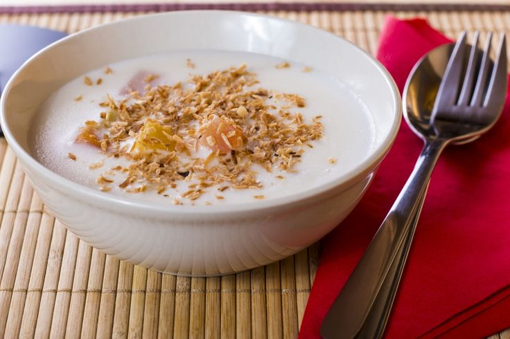 Thai gyümölcsleves ananásszal, guavával és papayával, igazi hűsítő finomság nyári napokra.