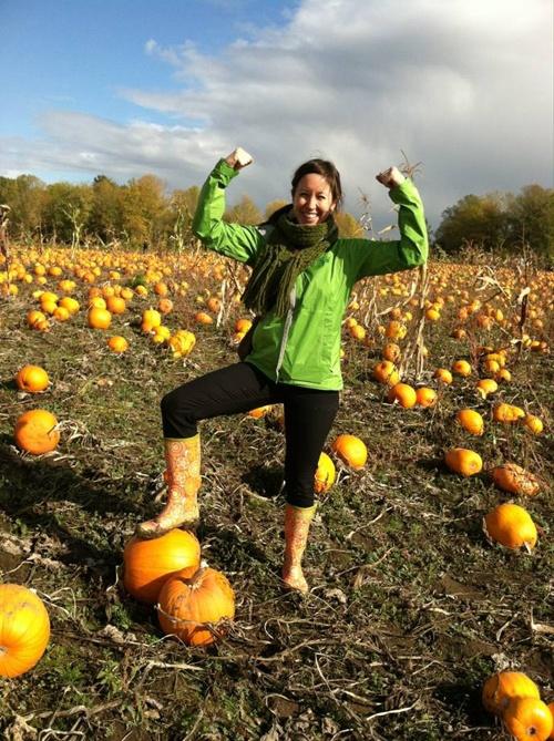 Ennika rain boots by Jessica Swift // conquering the muddy pumpkin patch!