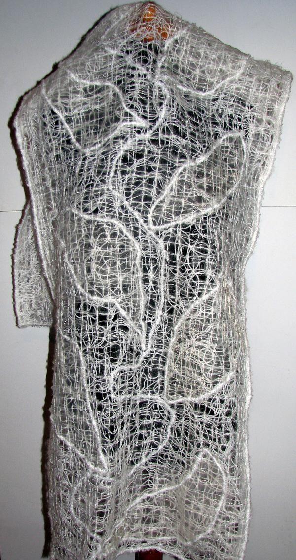 szal crazy wool z aplikacją http://www.koliber.ja44.pl/files/68/gd_772_7168.jpg