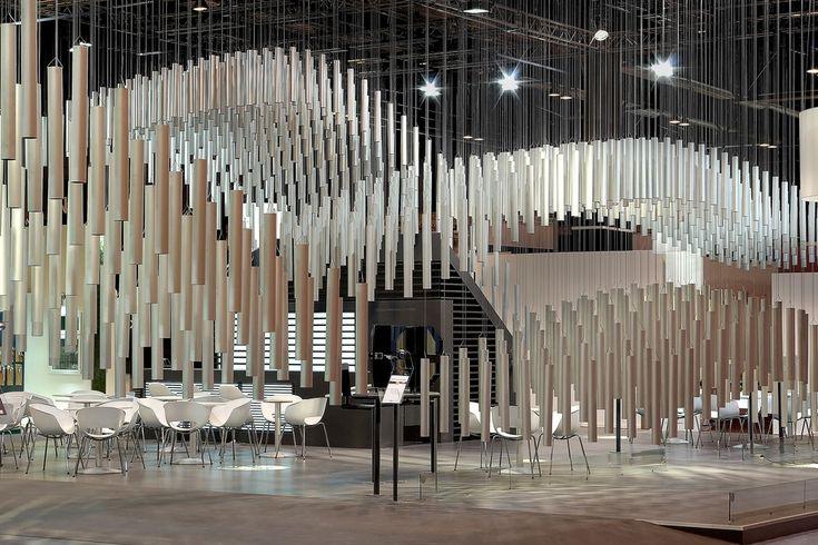 短暂的复杂性:铝框展览架 / Pedro García Martínez In 2020