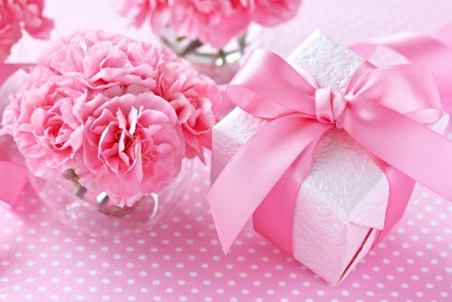 Обои картинки фото праздничные, подарки и коробочки, гвоздика, розовый, бант, лента, подарок, коробка