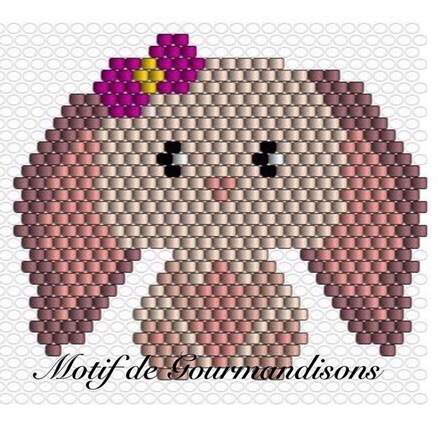 Puisque la lapine vous a plu, voici le motif. #motifgourmandisons Vente interdite Je vous partage bientôt tout ça sur mon blog (avec le diagramme du renard) : gourmandisons.com Inspiré d'une illustration trouvée sur Pinterest #miyuki #miyukibeads #perle #tissageperlesmiyuki #tissageperles #jenfiledesperlesetjassume #Youtube #gourmandisons #art #craft #diagrammemiyuki #miyukidelica #perlesaddict #perlesandco #perlesandcoaddict #diagrammeperles #gourmandisonscrea