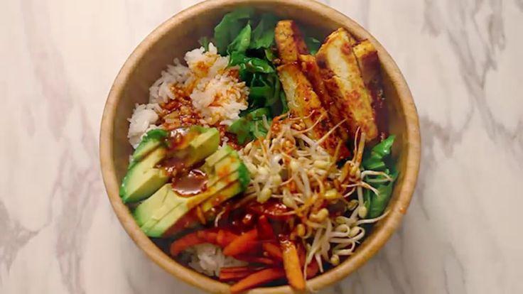 Så här lagar vi Bibimbap, vilket är en sjukt god koreansk maträtt. Hitta Lisas fina bilder på instagram: lisaukarlsson Bibimbap 2 port. Ris - 4 dl Spenat - 1...
