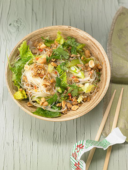 Thai - Glasnudelsalat - Yam Woon Sen mit Erdnüssen