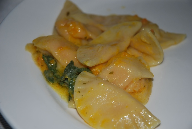 Ravioli di Zucca, looks amazing! I'll translate the recipe one day...
