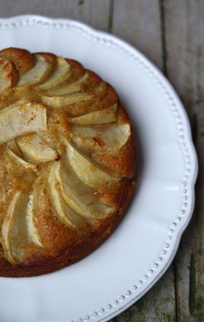 Torta di mele con farina integrale e miele al limone