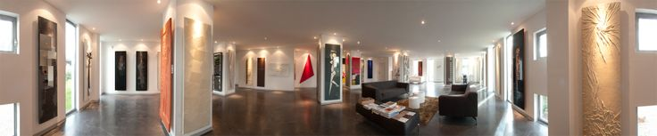 Playing to the gallery... by Atelier Cinier, France.