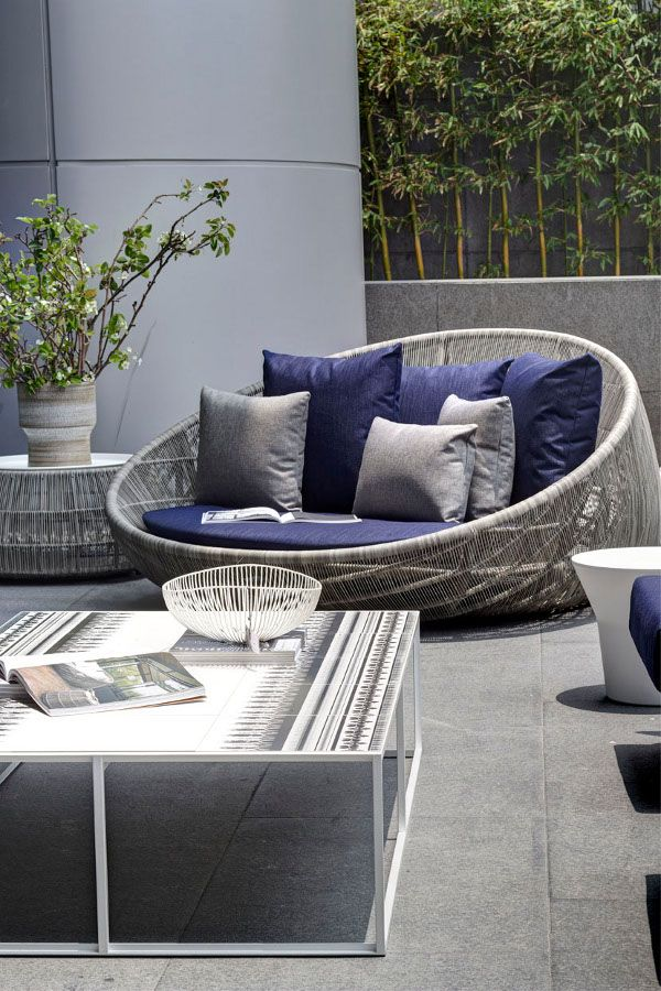 best 25 modern outdoor living ideas on pinterest. Black Bedroom Furniture Sets. Home Design Ideas