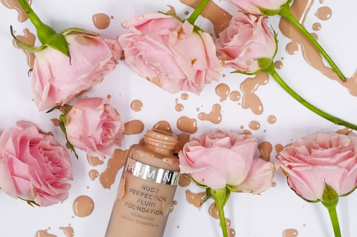 Blogger Lilou's Crush's favorite foundation, Nude Perfection, makes your skin both look and feel natural. #foundation #lumene