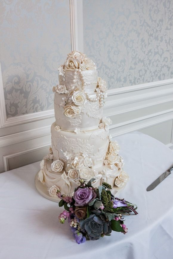 What a fabulous diamond & pearls vintage #weddingcake by Celebration Cakes!