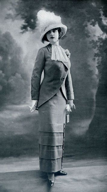 Tailleur, 1912 Since I live a home that is as old as this picture , Maybe I will get a outfit like this!!